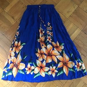 Dresses & Skirts - Long print skirt